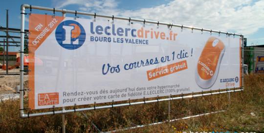 Panneaux travaux Leclerc : panneau de chantier en bâche tendue