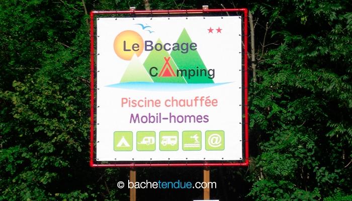 Enseigne en bache tendue de camping