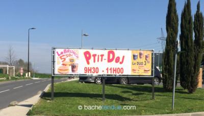 Enseigne publicitaire en bâche tendue - Restaurant McDonald's